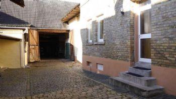 Hof / Eingang Wohnhaus/Zugang Scheune