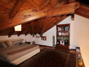 Schlafzimmer III
