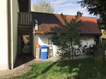 Gartenzugang in Garage