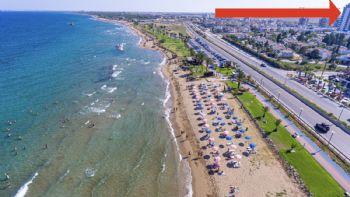 Anlage vom Strand aus
