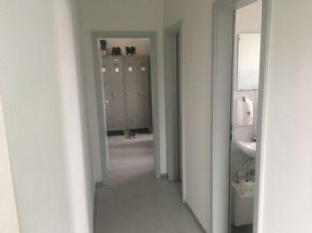 Flur Zugang WC und Umkleide