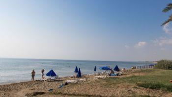 Der Strand nahe der Anlage