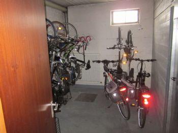 KG: Gemeinsamer Fahrradraum