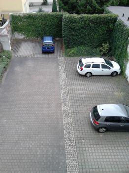 Parkplätze im Hinterhof