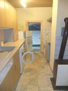 Küche mit EBK und Waschmachiene