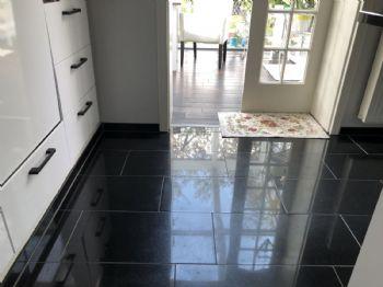 Granitboden in der Küche
