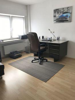 Büro / Schlafzimmer