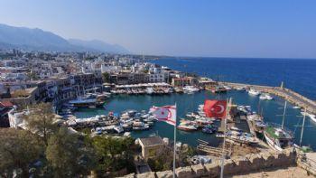 oder 80 Kilometer weiter den alten Hafen von Girne besuchen
